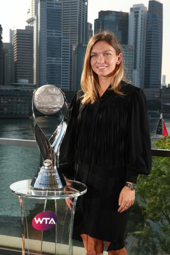 CHRIS EVERT WTA WORLD NO.1 TROPHY 3
