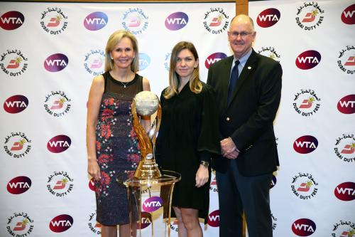 CHRIS EVERT WTA WORLD NO.1 TROPHY 18